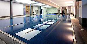 Large pool and leisure facilities